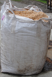 Bulk dry wood shavings bag